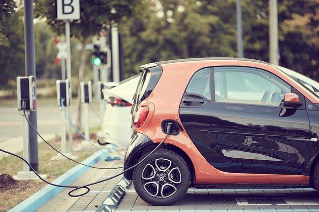 Carregador de carro elétrico